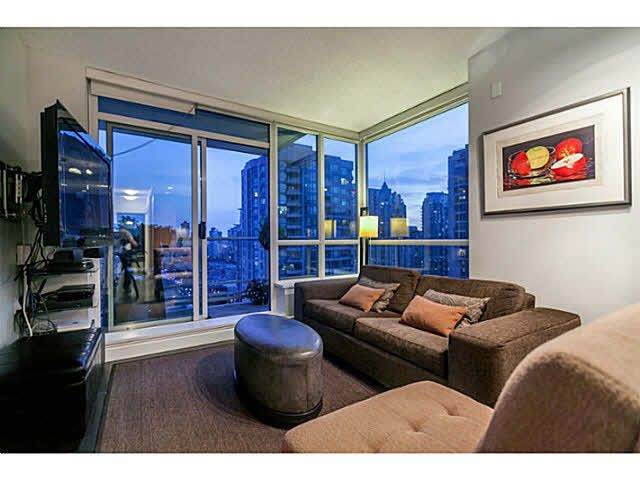 "Main Photo: 1808 821 CAMBIE Street in Vancouver: Downtown VW Condo for sale in ""RAFFLES ON ROBSON"" (Vancouver West)  : MLS®# V1125986"