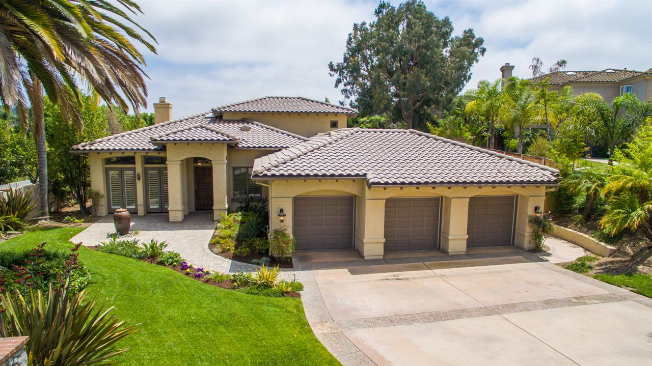 Main Photo: OLIVENHAIN House for sale : 4 bedrooms : 2242 Rosemont Ln in Encinitas