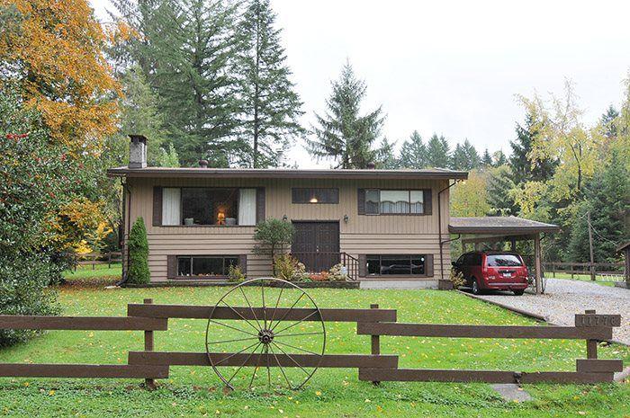"Main Photo: 11776 248 Street in Maple Ridge: Websters Corners House for sale in ""WEBSTER'S CORNER"" : MLS®# R2012499"