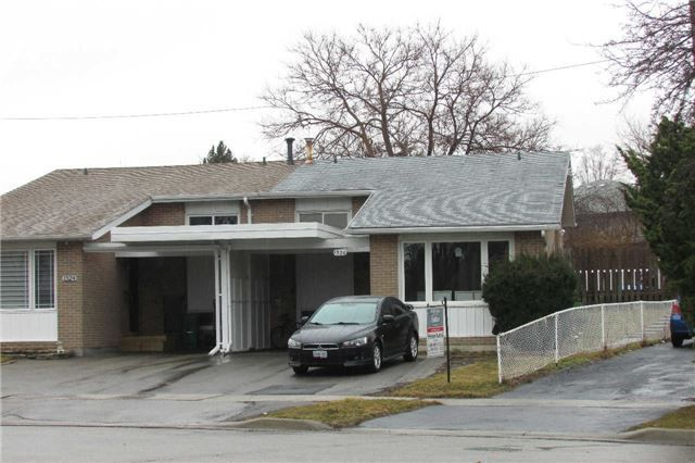 Main Photo: 1526 Swanage Crest in Mississauga: Clarkson House (Backsplit 3) for sale : MLS®# W3433939