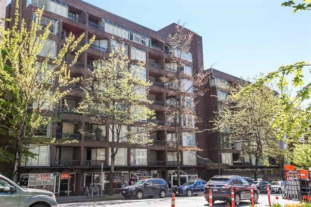 """Main Photo: 416 1330 BURRARD Street in Vancouver: Downtown VW Condo for sale in """"ANCHOR POINT 1"""" (Vancouver West)  : MLS®# R2090966"""