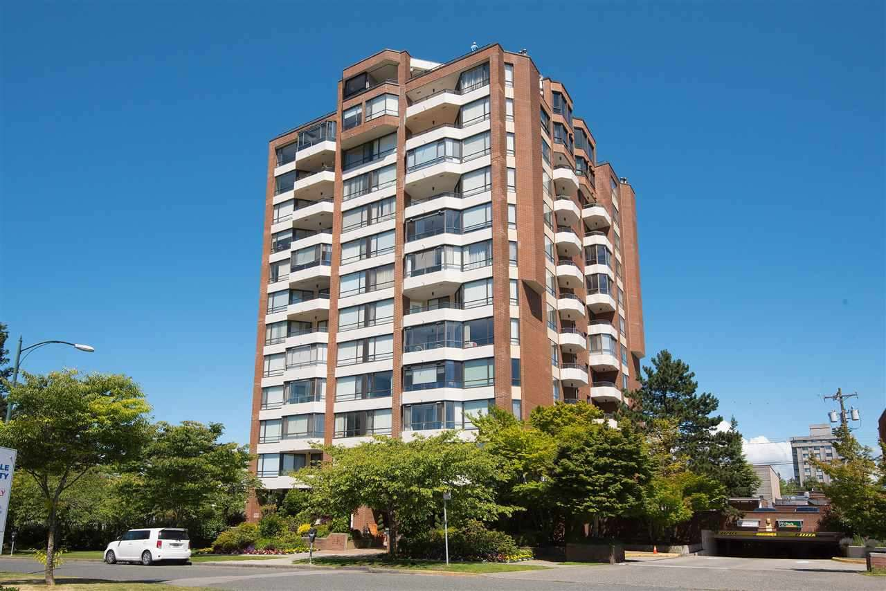 """Main Photo: 404 2189 W 42ND Avenue in Vancouver: Kerrisdale Condo for sale in """"Governor Point"""" (Vancouver West)  : MLS®# R2112248"""