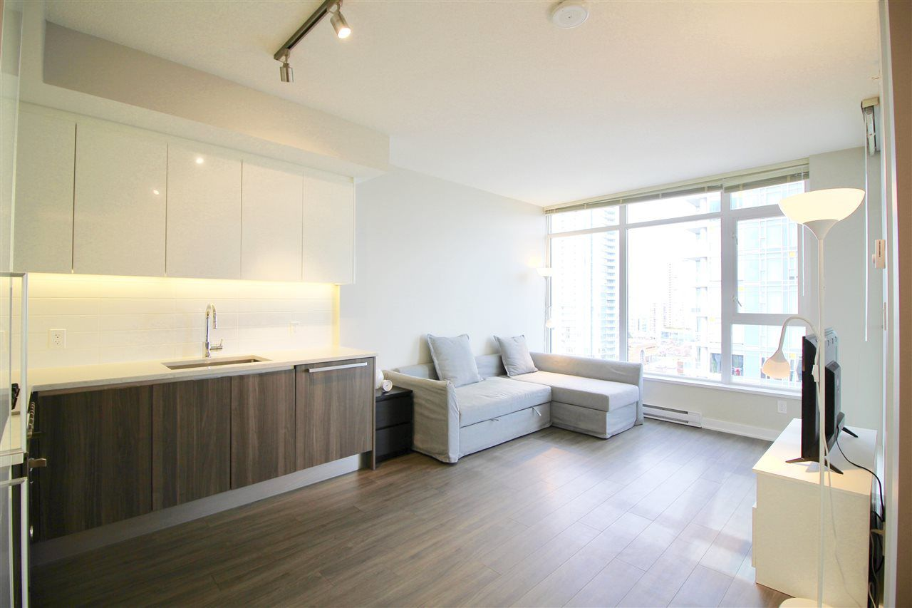"Main Photo: 1705 4900 LENNOX Lane in Burnaby: Metrotown Condo for sale in ""THE PARK"" (Burnaby South)  : MLS®# R2352671"