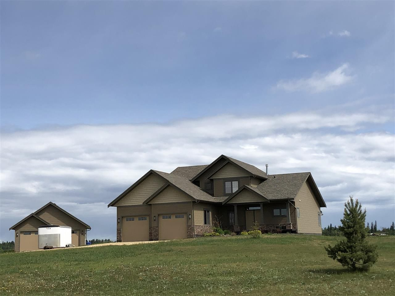 Main Photo: 33 243050 TWP RD 474: Rural Wetaskiwin County House for sale : MLS®# E4153868