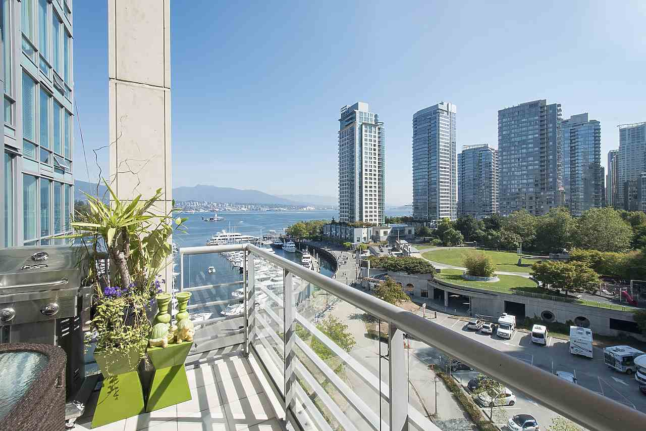 """Main Photo: 803 499 BROUGHTON Street in Vancouver: Coal Harbour Condo for sale in """"DENIA"""" (Vancouver West)  : MLS®# R2373503"""