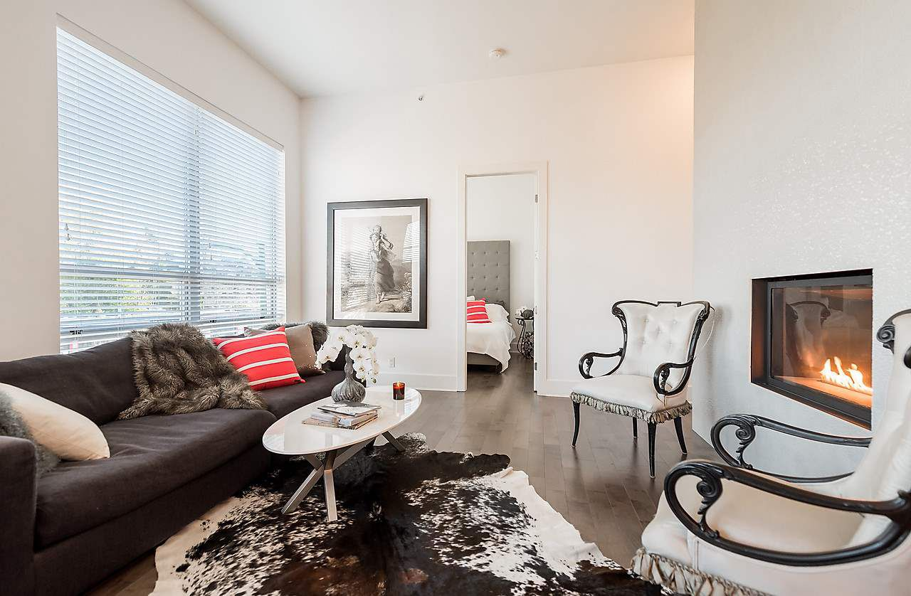 "Main Photo: 304 2108 W 12TH Avenue in Vancouver: Kitsilano Condo for sale in ""LUZON"" (Vancouver West)  : MLS®# R2015327"