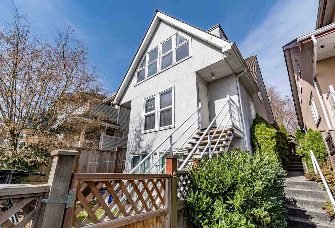 Main Photo: 2580 SE MARINE Drive in Vancouver: Fraserview VE House for sale (Vancouver East)  : MLS®# R2146845