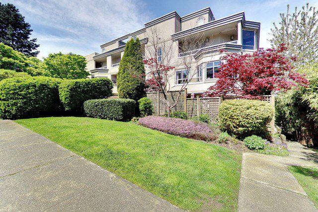 Main Photo: 311 2057 W 3RD AVENUE in Vancouver: Kitsilano Condo for sale (Vancouver West)  : MLS®# R2163688