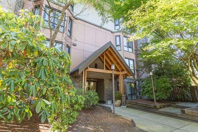 """Main Photo: 201 9962 148 Street in Surrey: Guildford Condo for sale in """"HIGHPOINT GARDENS"""" (North Surrey)  : MLS®# R2199264"""