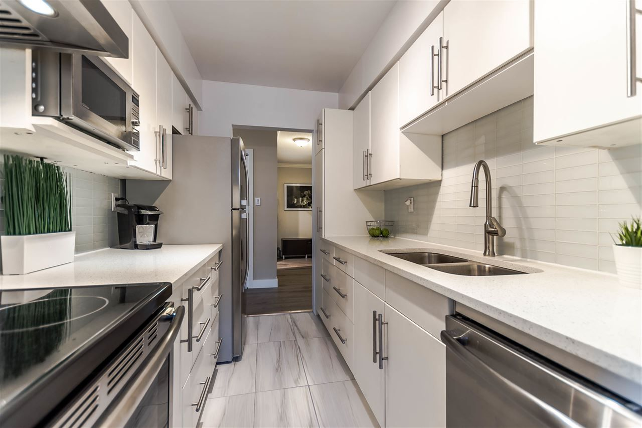 """Main Photo: 102 610 THIRD Avenue in New Westminster: Uptown NW Condo for sale in """"JAE MAR COURT"""" : MLS®# R2200621"""