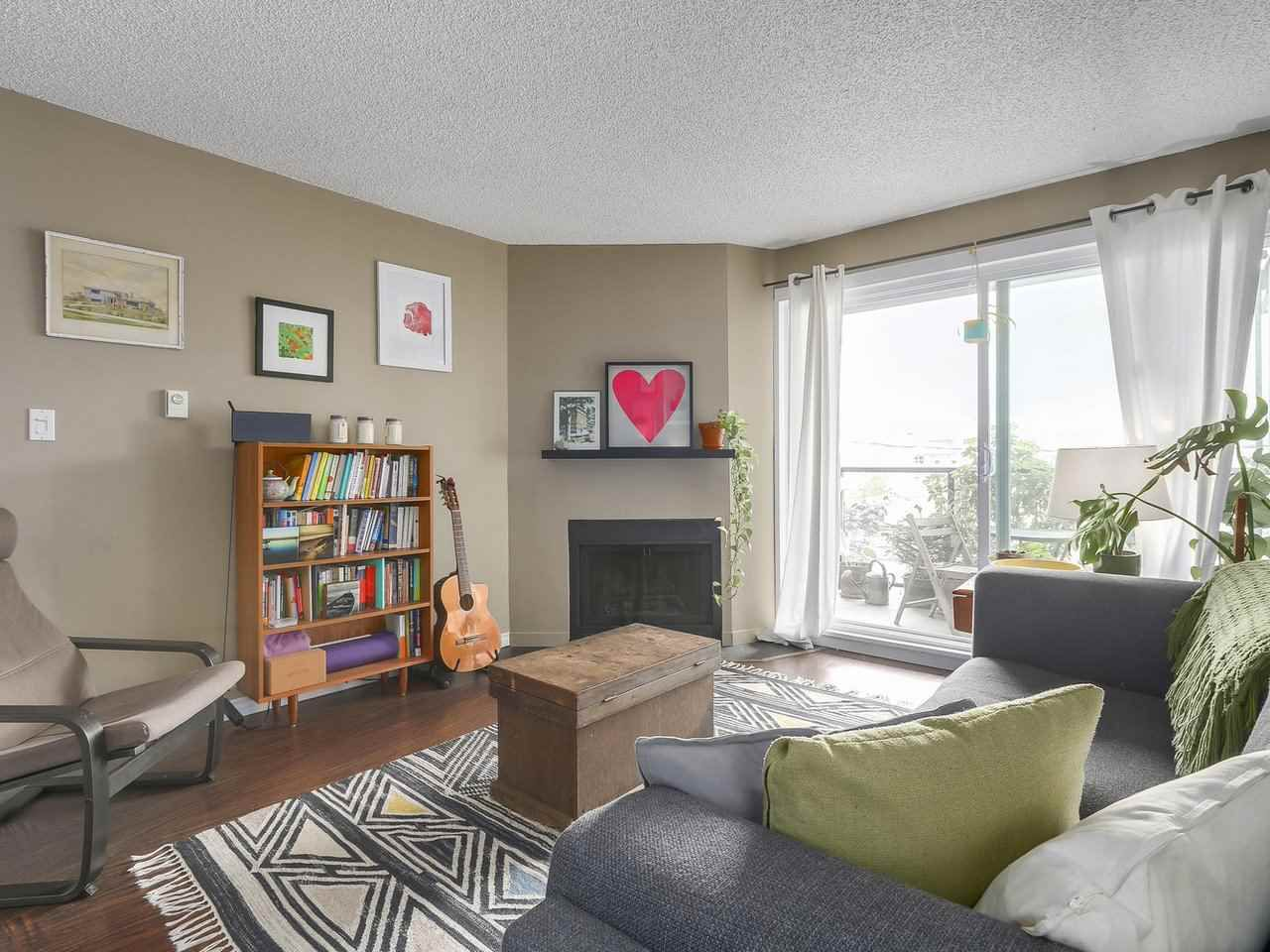 Main Photo: 202 111 W 10TH Avenue in Vancouver: Mount Pleasant VW Condo for sale (Vancouver West)  : MLS®# R2208429
