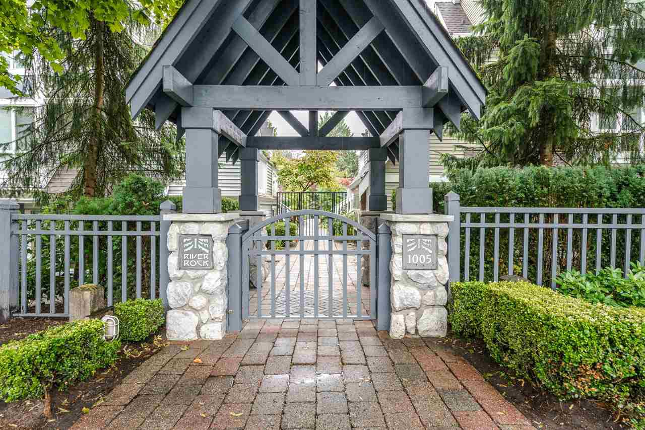 """Main Photo: 15 1005 LYNN VALLEY Road in North Vancouver: Lynn Valley Townhouse for sale in """"River Rock"""" : MLS®# R2211055"""