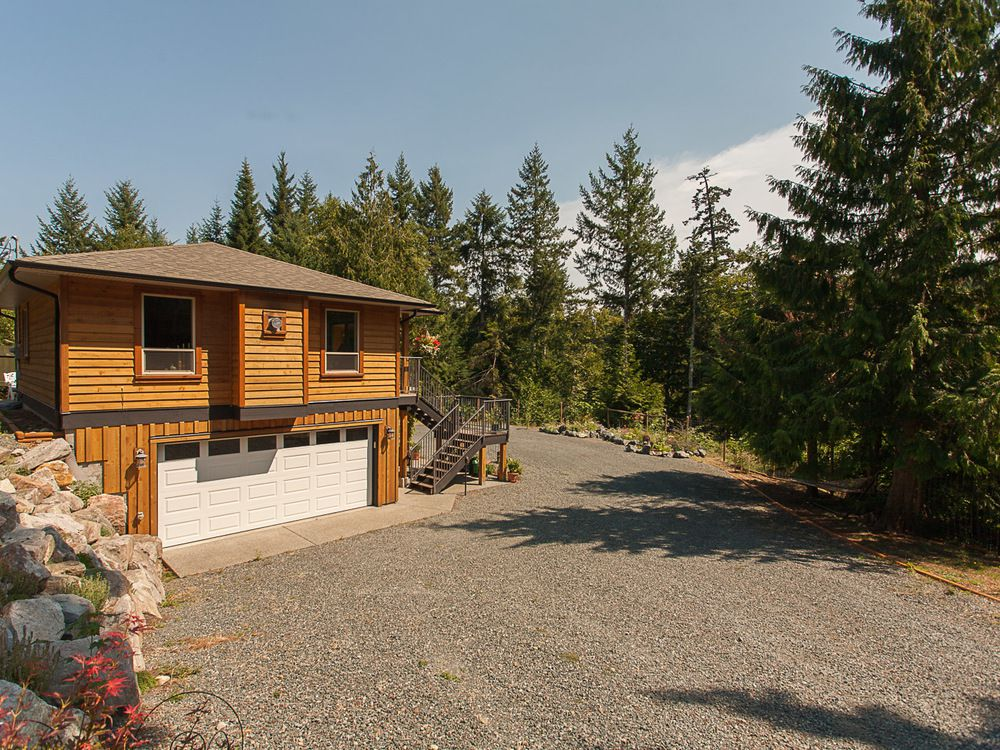 Main Photo: 1790 Canuck Cres in Qualicum River Estates: House for sale : MLS®# 404393