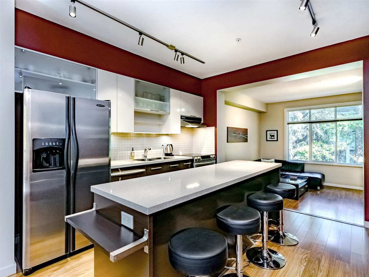 """Main Photo: 20 550 BROWNING Place in North Vancouver: Seymour NV Townhouse for sale in """"TANAGER"""" : MLS®# R2383492"""