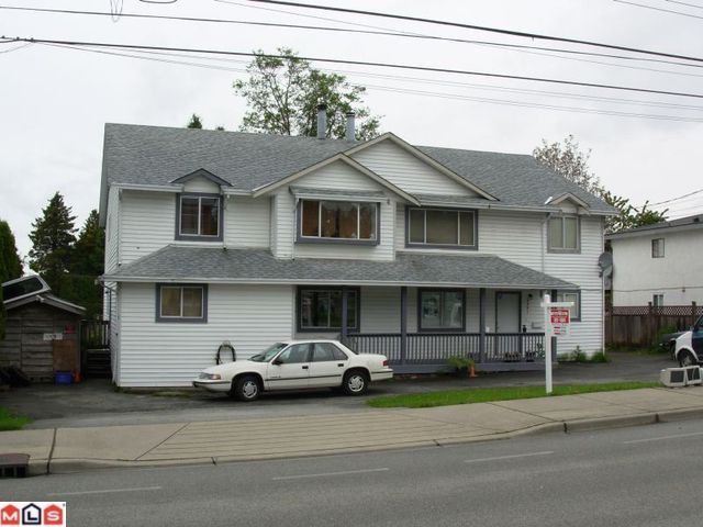 Main Photo: 9231 140TH Street in Surrey: Bear Creek Green Timbers House Duplex for sale : MLS®# F1326010