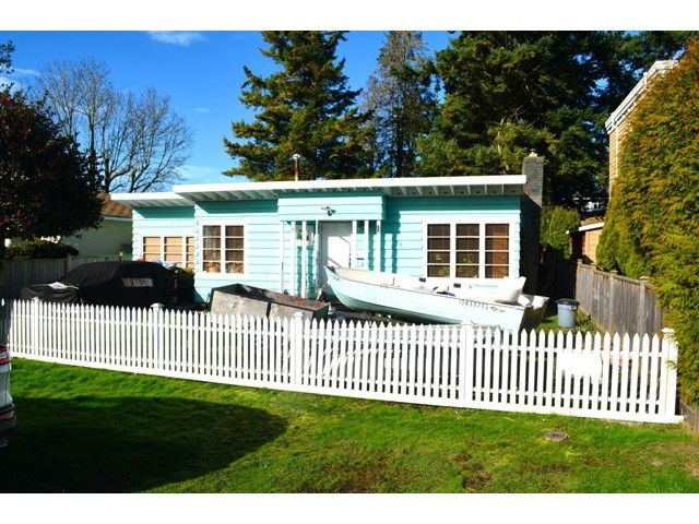 """Main Photo: 2991 MCBRIDE Avenue in Surrey: Crescent Bch Ocean Pk. House for sale in """"CRESCENT BEACH"""" (South Surrey White Rock)  : MLS®# F1433587"""