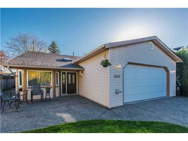 """Main Photo: 1515 KING GEORGE Boulevard in Surrey: King George Corridor House for sale in """"Sunnyside East"""" (South Surrey White Rock)  : MLS®# F1437964"""