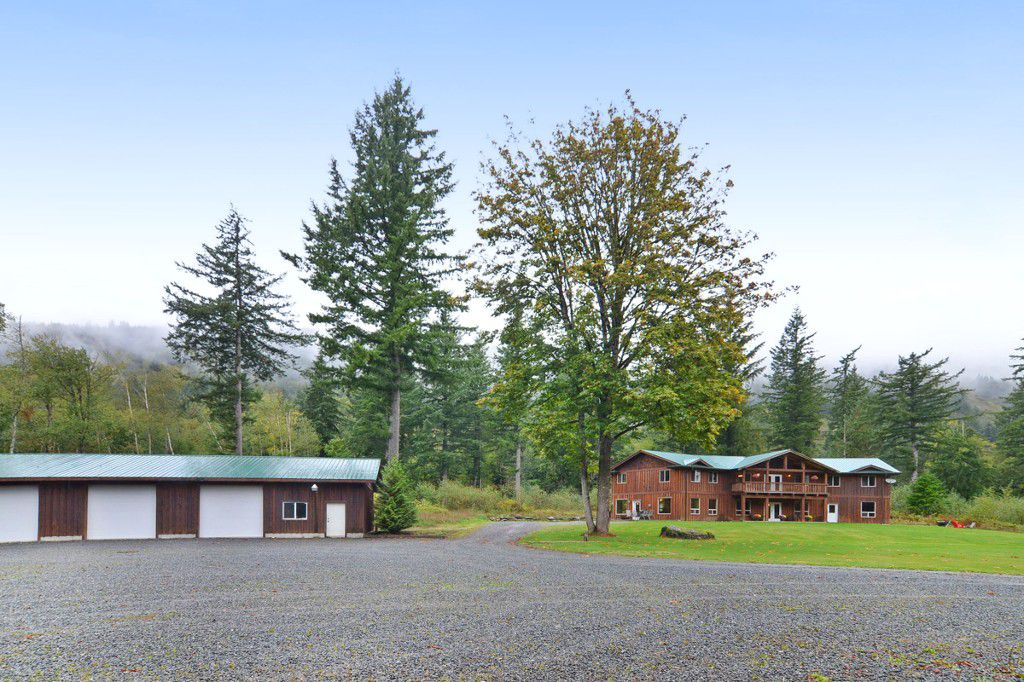 Main Photo: 1191 MAPLE ROCK Drive in Chilliwack: Lindell Beach House for sale (Cultus Lake)  : MLS®# R2004366
