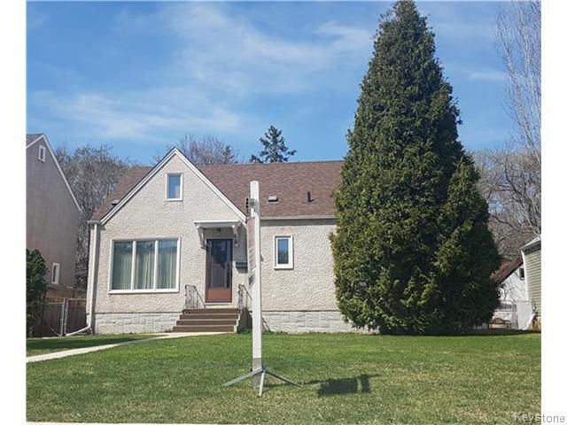 Main Photo: 214 Conway Street in Winnipeg: St James Residential for sale (West Winnipeg)  : MLS®# 1612351