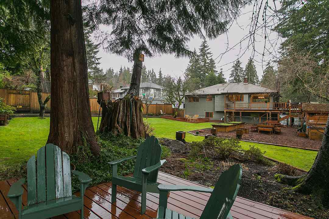 Main Photo: 1561 MERLYNN Crescent in North Vancouver: Westlynn House for sale : MLS®# R2143855