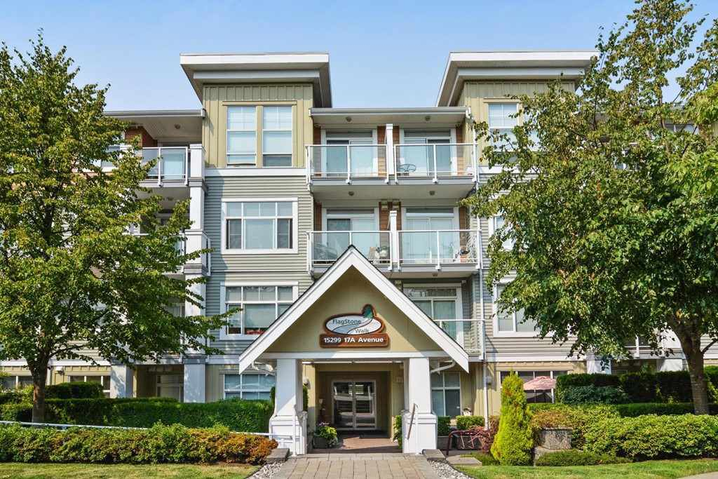 "Main Photo: 107 15299 17A Avenue in Surrey: King George Corridor Condo for sale in ""Flagstone Walk"" (South Surrey White Rock)  : MLS®# R2203688"