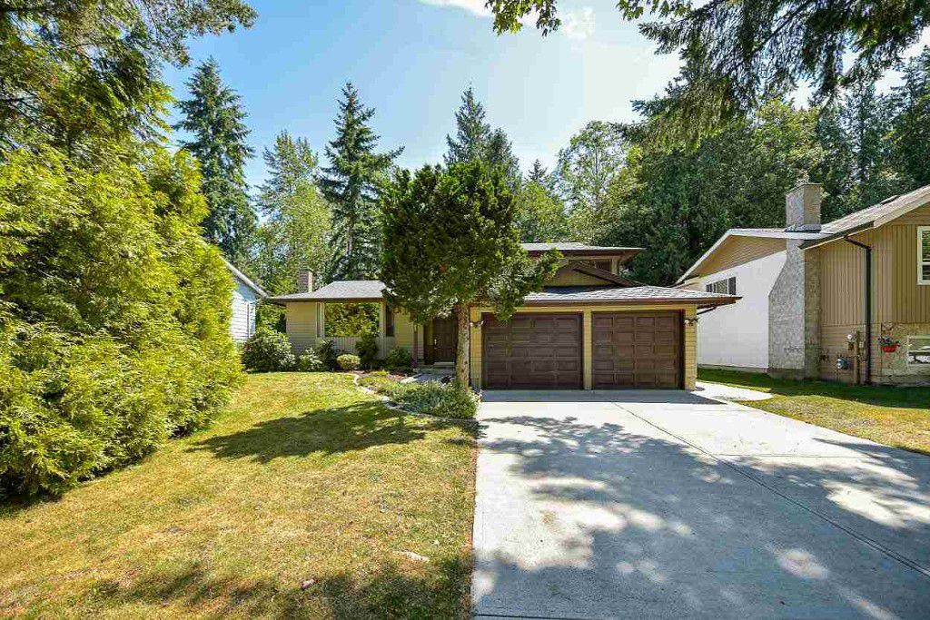Main Photo: 9362 149A in Surrey: Fleetwood Tynehead House for sale : MLS®# R2199885