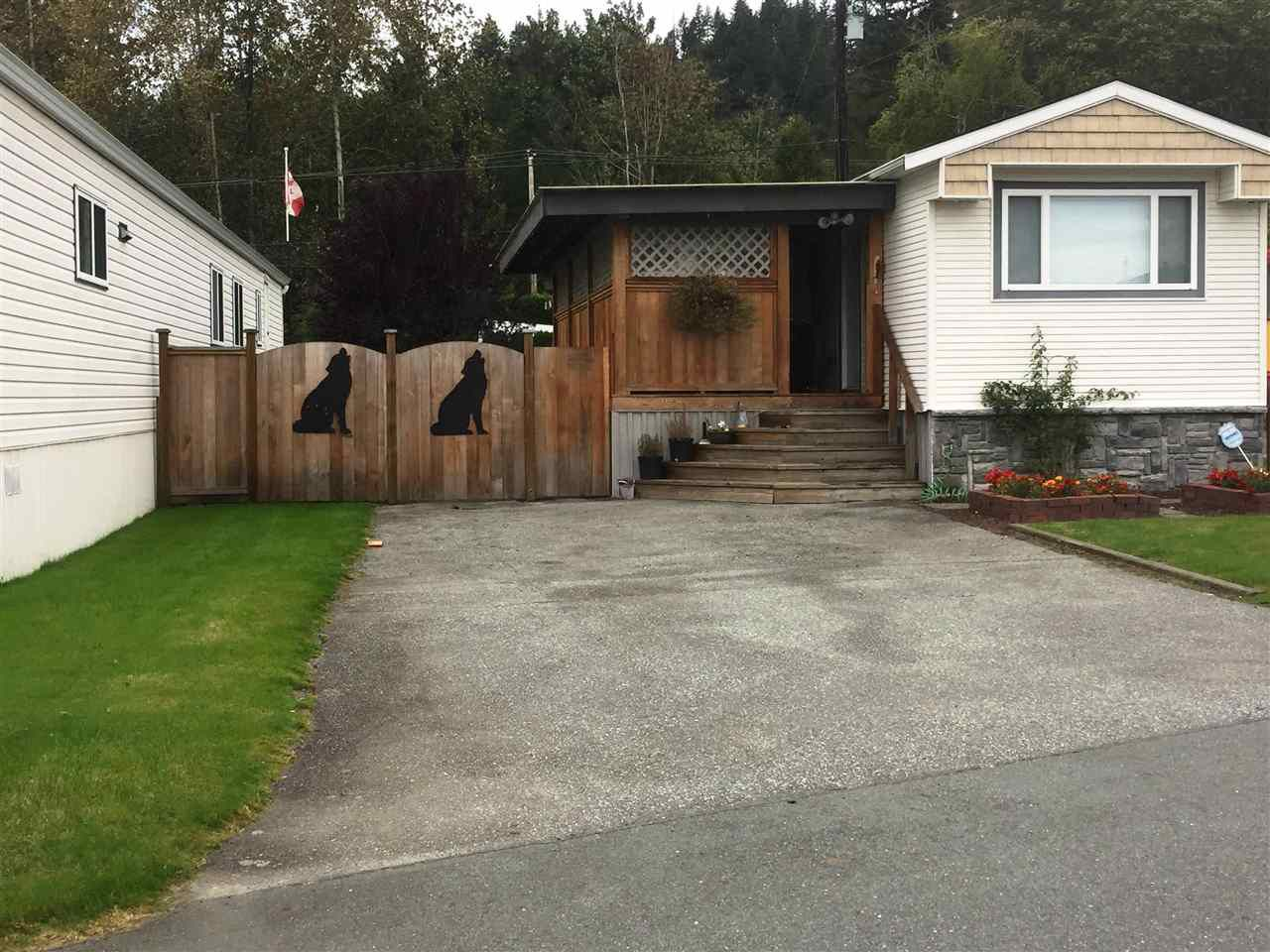 "Main Photo: 22 9960 WILSON Road in Mission: Stave Falls Manufactured Home for sale in ""Ruskin MHP"" : MLS®# R2312714"