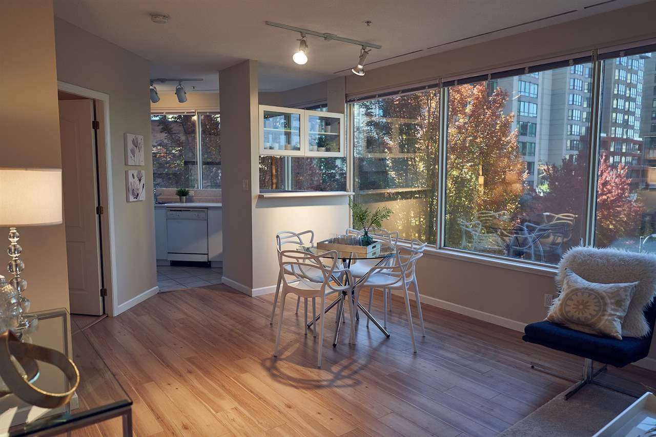 "Main Photo: 304 1177 HORNBY Street in Vancouver: Downtown VW Condo for sale in ""LONDON PLACE"" (Vancouver West)  : MLS®# R2322924"