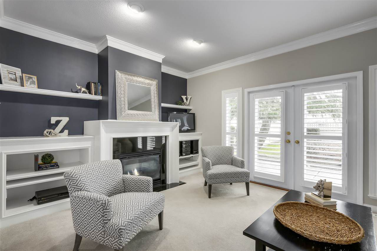 """Main Photo: 25 1881 144 Street in Surrey: Sunnyside Park Surrey Townhouse for sale in """"Brambley Hedge"""" (South Surrey White Rock)  : MLS®# R2328666"""