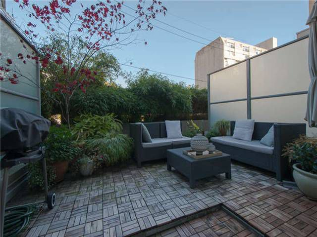 """Main Photo: 202 33 W PENDER Street in Vancouver: Downtown VW Condo for sale in """"33"""" (Vancouver West)  : MLS®# V1034262"""