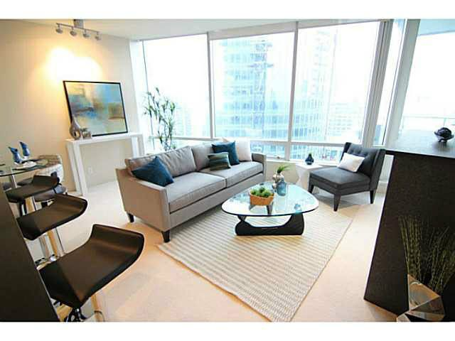 """Main Photo: 3306 1077 W CORDOVA Street in Vancouver: Coal Harbour Condo for sale in """"SHAW TOWERS"""" (Vancouver West)  : MLS®# V1095710"""