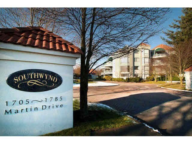"""Main Photo: 405 1745 MARTIN Drive in Surrey: Sunnyside Park Surrey Condo for sale in """"SOUTHWYND"""" (South Surrey White Rock)  : MLS®# F1436564"""