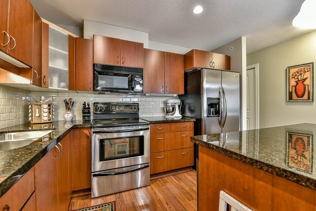 Photo 12: Photos: 403 19730 56 Avenue in Langley: Langley City Condo for sale : MLS®# R2052823