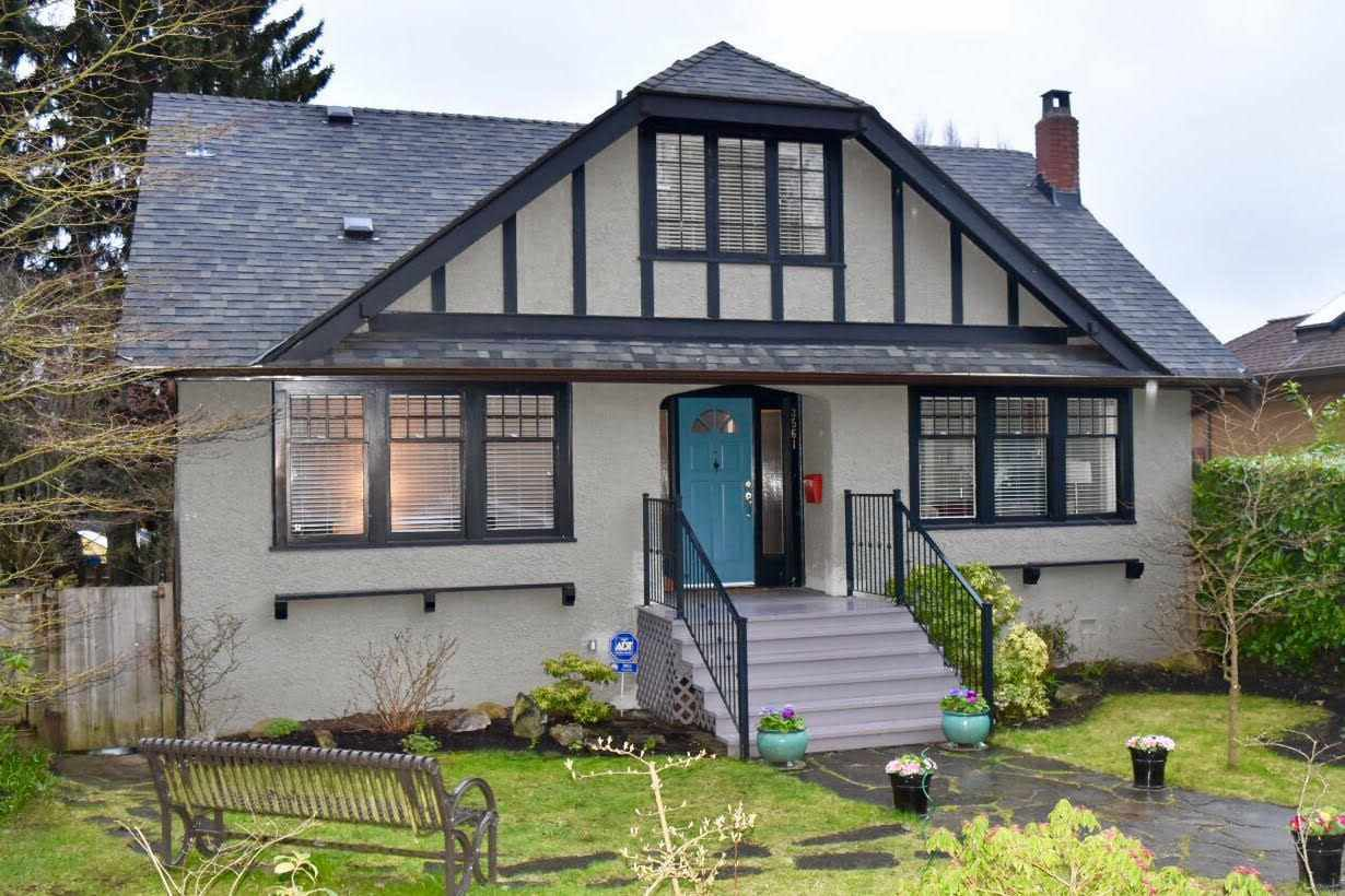 """Main Photo: 3561 W 26TH Avenue in Vancouver: Dunbar House for sale in """"Dunbar"""" (Vancouver West)  : MLS®# R2149312"""