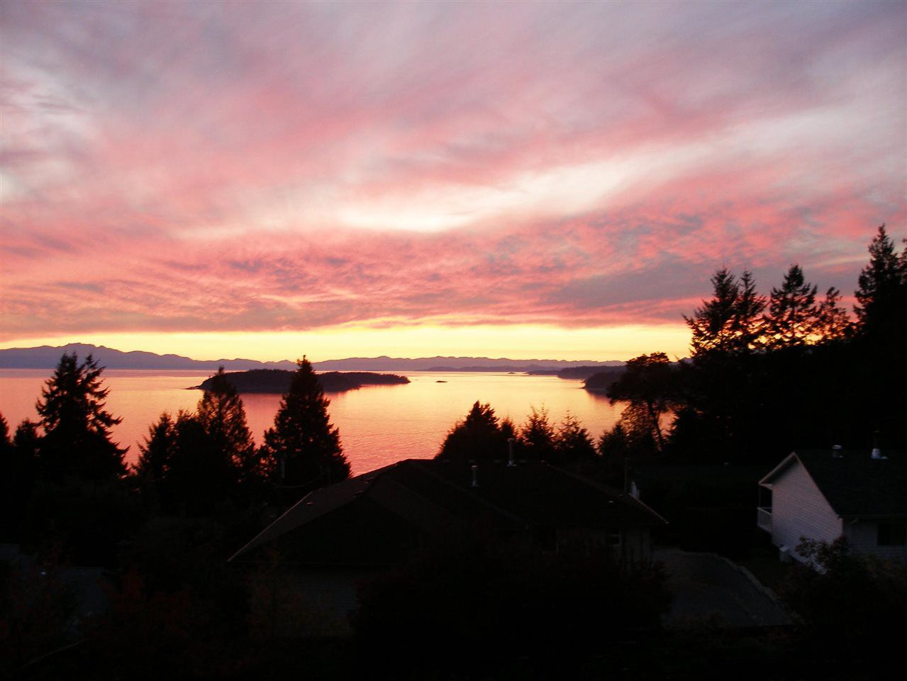 Westerly views towards Georgia Strait and Trail Islands.  Stunning sunsets!