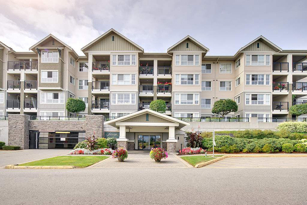Main Photo: 222 19673 MEADOW GARDENS WAY in Pitt Meadows: North Meadows PI Condo for sale : MLS®# R2197820