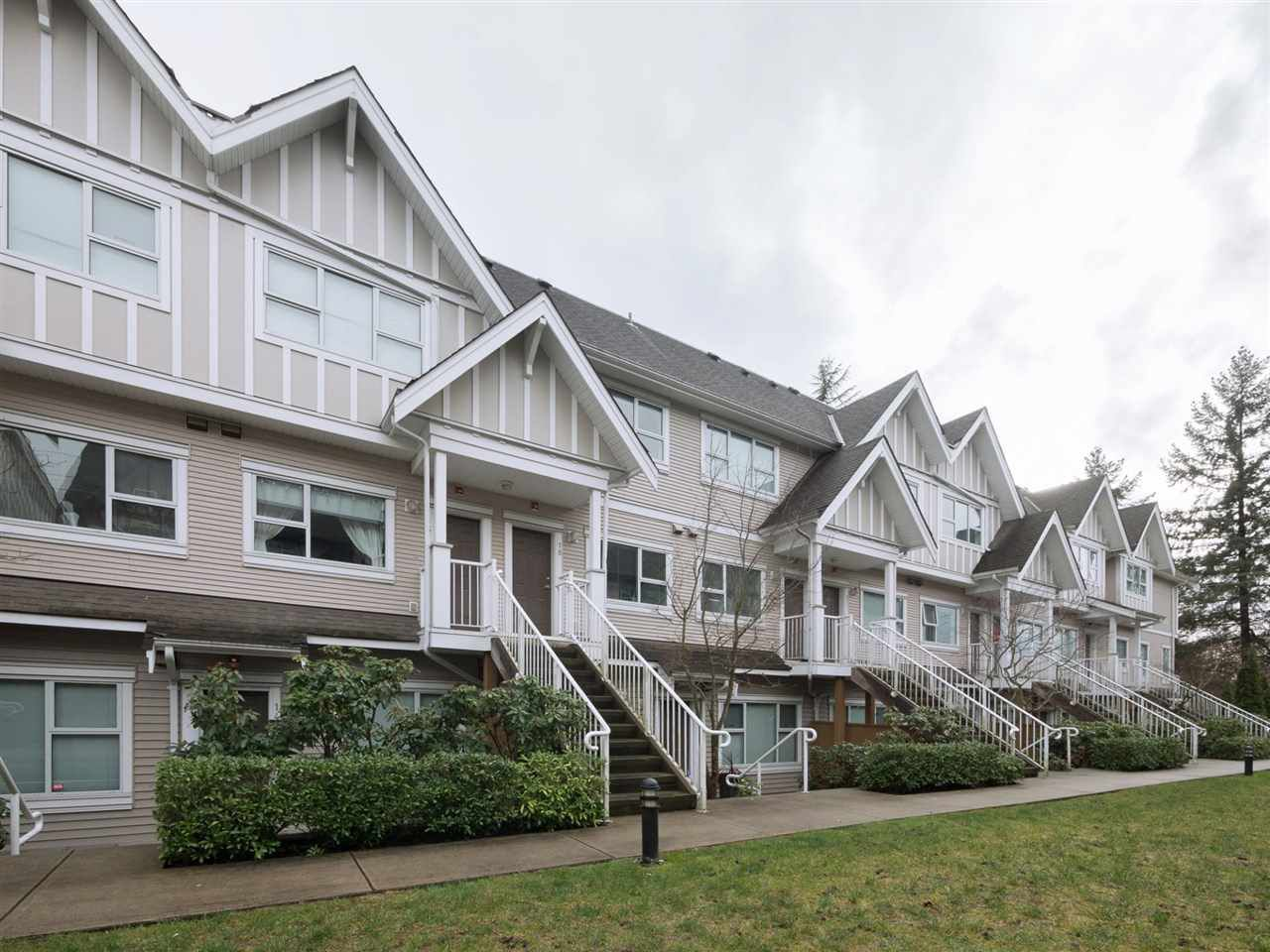 "Main Photo: 18 730 FARROW Street in Coquitlam: Coquitlam West Townhouse for sale in ""FARROW RIDGE"" : MLS®# R2250596"