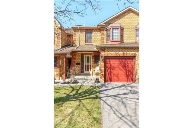 Main Photo: 48 1610 E Crawforth Street in Whitby: Blue Grass Meadows Condo for sale : MLS®# E4125009