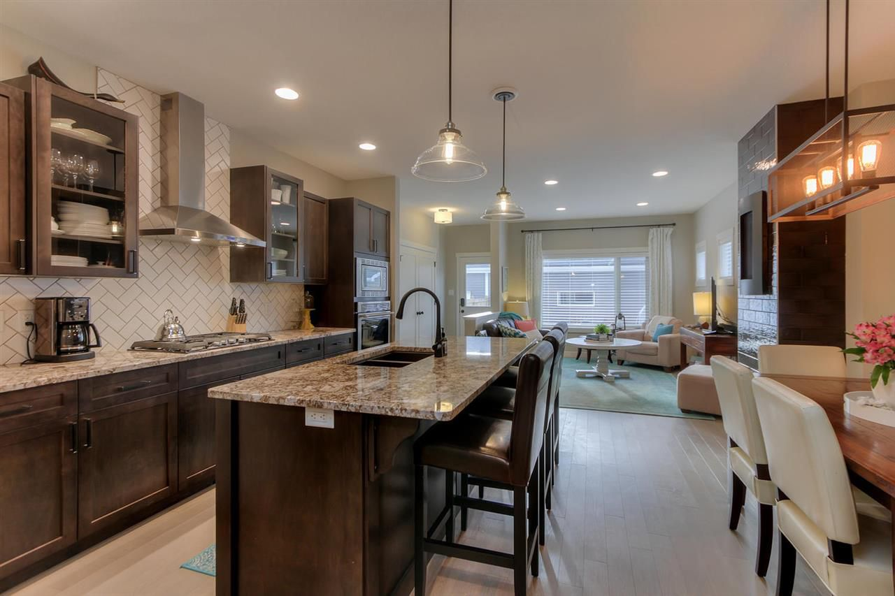 Main Photo: 9349 74 Avenue in Edmonton: Zone 17 House for sale : MLS®# E4145442