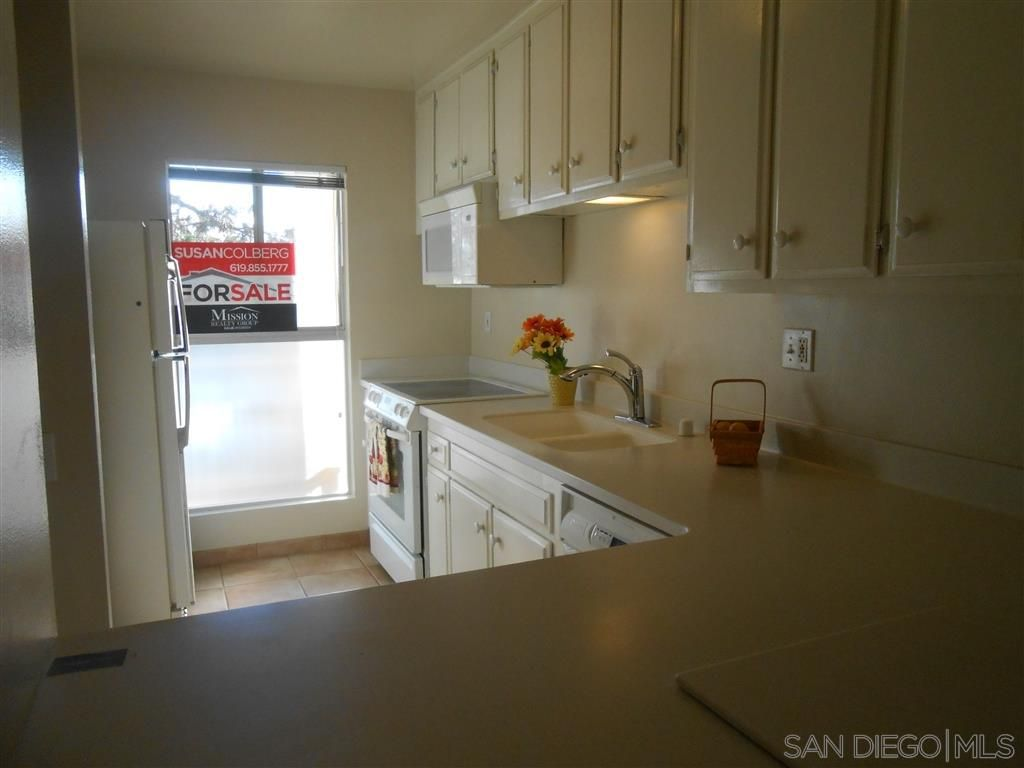 Main Photo: LA MESA Condo for sale : 2 bedrooms : 5700 baltimore dr #88