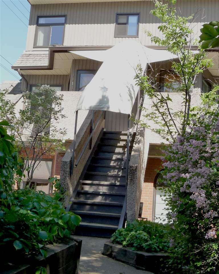 Main Photo: 11134 83 Avenue in Edmonton: Zone 15 Townhouse for sale : MLS®# E4156122
