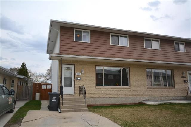 Main Photo: 396 Paufeld Drive in Winnipeg: North Kildonan Residential for sale (3F)  : MLS®# 1912332