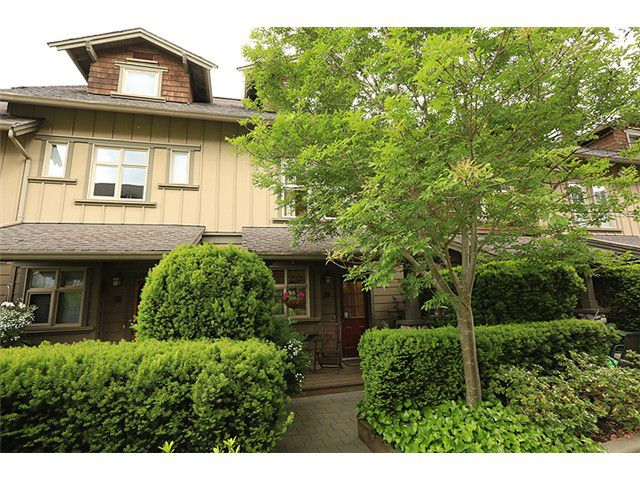 Main Photo: 240 18 Jack Mahony Place in New Westminster: GlenBrooke North Townhouse for sale : MLS®# V1009754