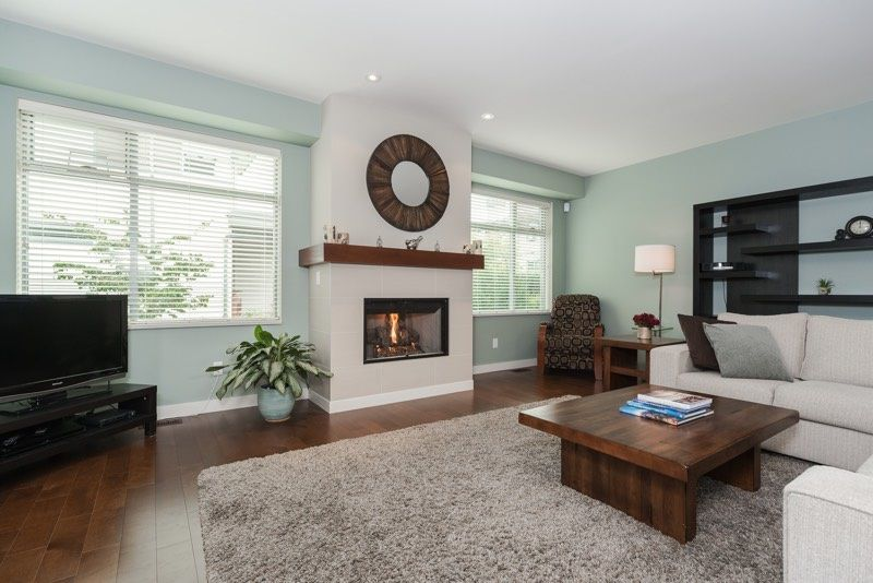 "Main Photo: 32 2603 162ND Street in Surrey: Grandview Surrey Townhouse for sale in ""Vinterra Villas"" (South Surrey White Rock)  : MLS®# R2023308"