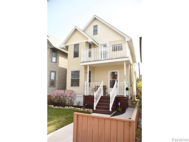 Main Photo: 288 Traverse Avenue in WINNIPEG: St Boniface Residential for sale (South East Winnipeg)  : MLS®# 1602736