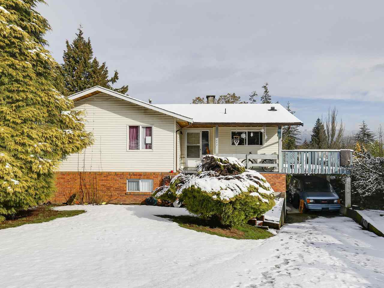 Main Photo: 8043 BURNFIELD Crescent in Burnaby: Burnaby Lake House for sale (Burnaby South)  : MLS®# R2144135
