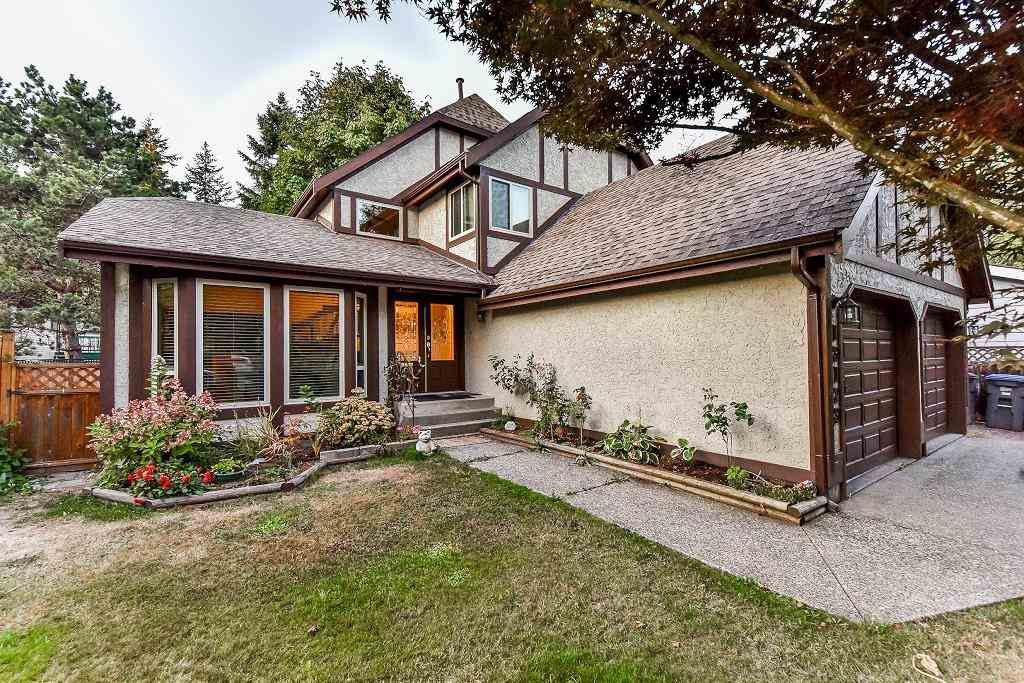 Main Photo: 13123 61A Avenue in Surrey: Panorama Ridge House for sale : MLS®# R2204964