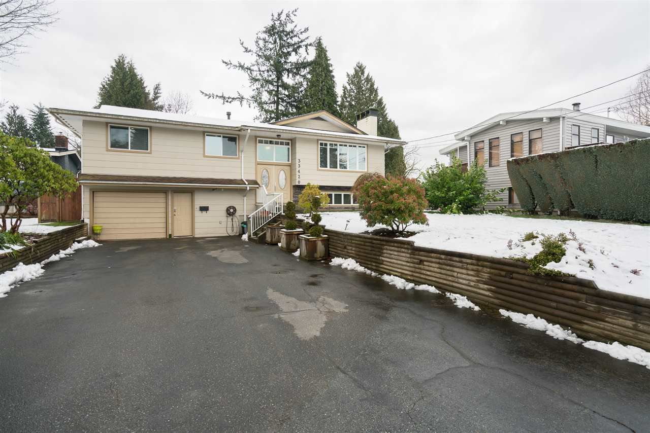 Main Photo: 33420 HUGGINS Avenue in Abbotsford: Central Abbotsford House for sale : MLS®# R2241472