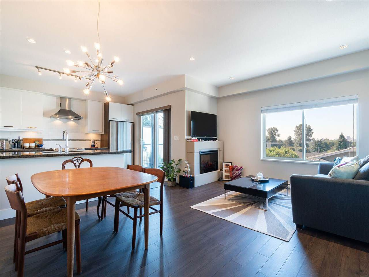 """Main Photo: 407 1273 MARINE Drive in North Vancouver: Norgate Condo for sale in """"THE IVY"""" : MLS®# R2282242"""