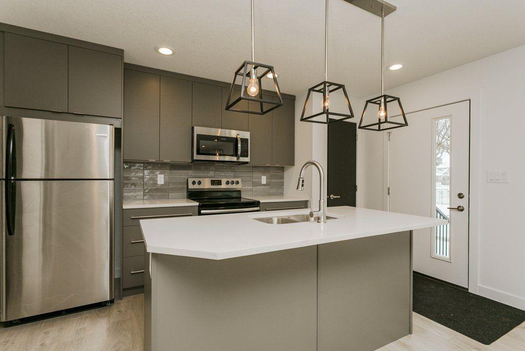 Main Photo: 9010 114 Avenue in Edmonton: Zone 05 House Half Duplex for sale : MLS®# E4135079
